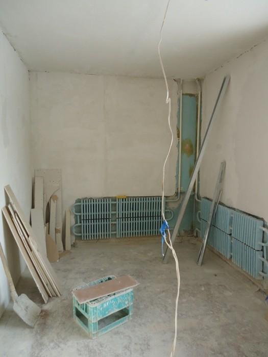 ПРОДАМ СРОЧНО гостинки от 15 кв.м. до 18 кв. м. в строительном состояние  и есть 616089