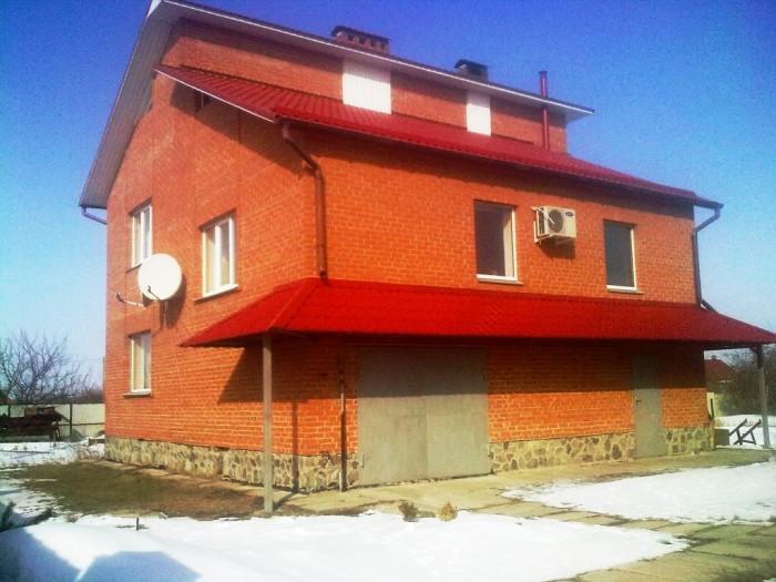 Кирпичный 2-х этажный дом, 250/80/25, все коммуникации в доме, ремонт, сан. узел 622687