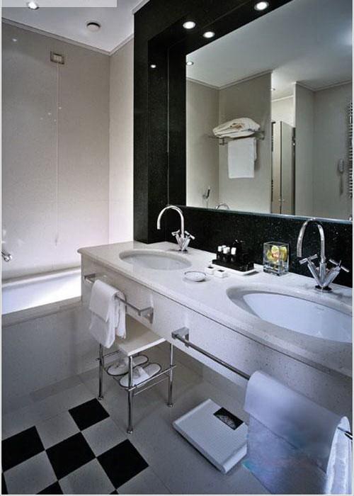 Сдается посуточно, почасово, понедельно  квартира в центре Кривого Рога. 95 квар 616176