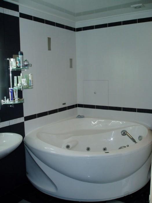 Сдается посуточно, почасово, понедельно  квартира в центре Кривого Рога. 173 ква 616193