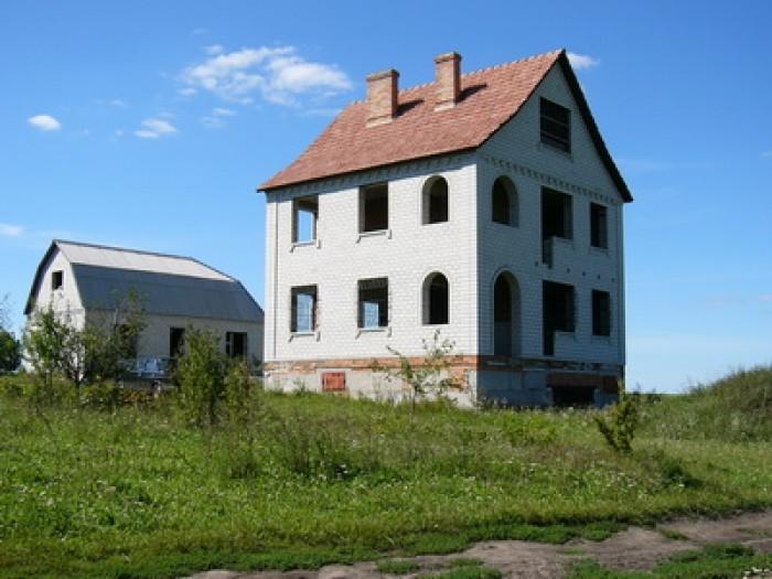 В 8 – 10 км. от города Бердичев, Житомирской области, Украина, продается неоконч 622705