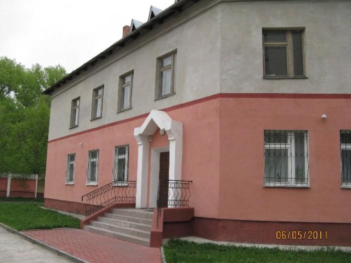 Комерційна нерухомість (1998 року побудови), загальною площею 81,6 кв.м. (перший 642524
