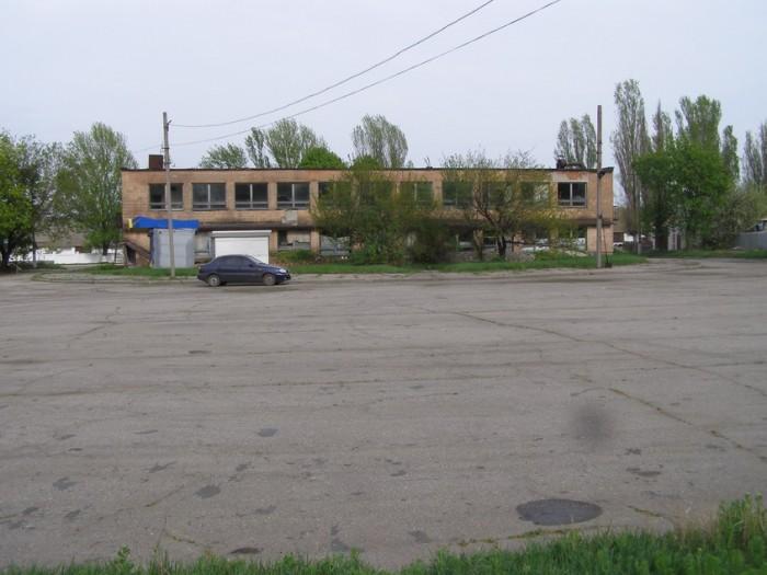 Продаётся здание бывшего автовокзала г. Лозовая (Харьковская обл). Расположено п 642566