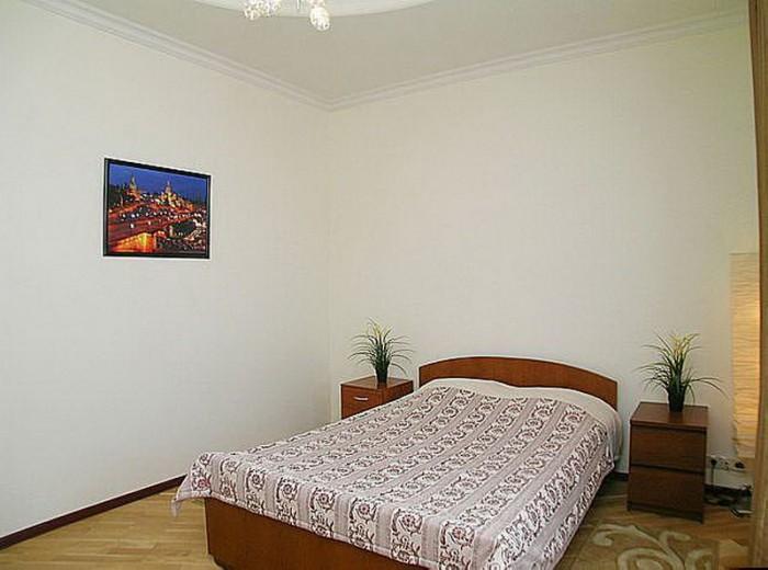 Сдаю 2-ух комнатную квартиру посуточно, почасово, понедельно. Центр Кривого Рога 616410