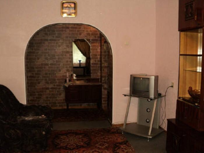Сдам 2 комнатную квартиру на ж/м Солнечный,  1/9, капитальный ремонт, МПО, мебел 616508