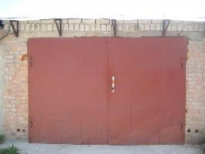 Продаётся недорого гараж по адресу ул. Товарная 10 ( ст.м. Дружбы Народов). 24 и 642626
