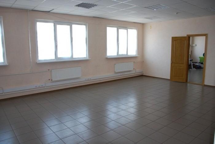 Уютные и комфортные офисы возле метро Героев Труда.Здание – два этажа, мансарда, 642685