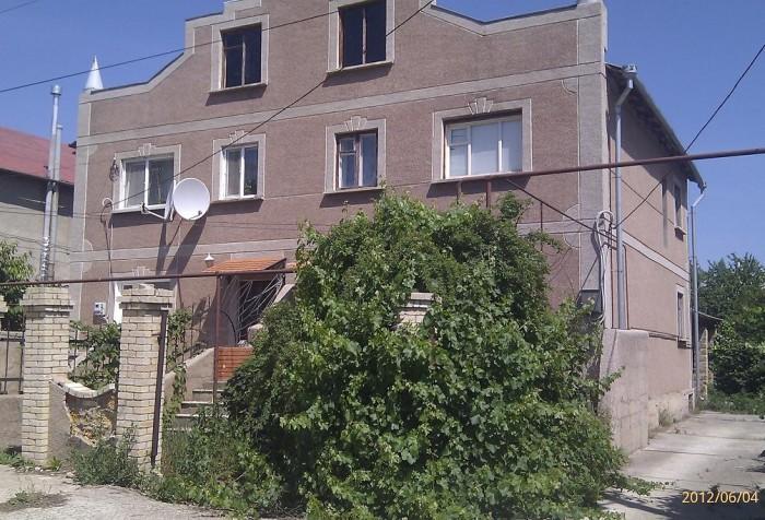 Жилой дом, 10,7 Х 13,25 , 2 этажа, подвальное помещение и гараж под домом. I эта 622933