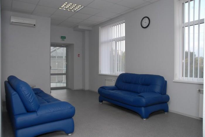 Стоимость за 1 кв.м, с ремонтом, свободная планировка + кабинеты, центр Ворошило 642704