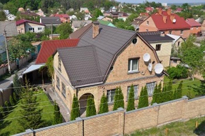 Продаётся очень уютный дом меблированный по причине выезда за границу. Шикарное  622952
