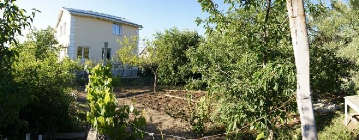 Дом: 2 жилых этажа, 4 комнаты и кухня - 120м.кв.Цоколь 70м.кв. – гараж и 3 хоз.  622956
