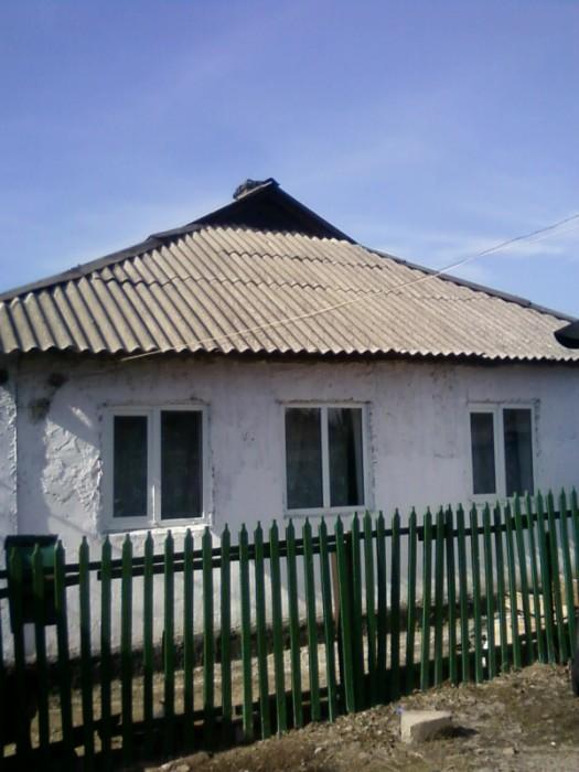 Срочно продам часть дома на ВАЗе 3 комнаты крыша после капремонта новый шифер пл 622975