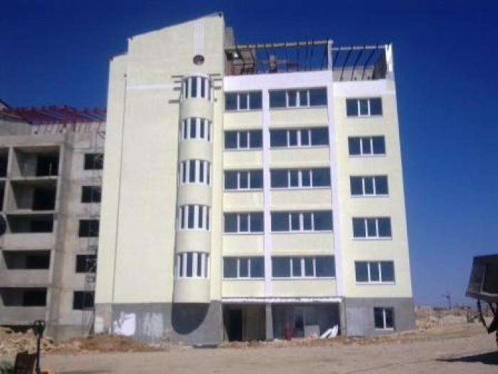 Дом новострой - бетонно монолитный, в квартире 3 комнаты, высота потолков 3 метр 616989