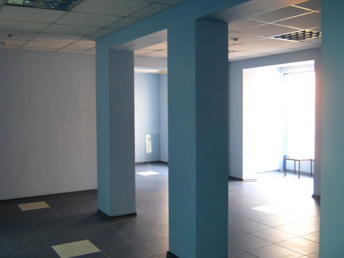 ООО ТЦ Юзовский сдает в аренду торговые и офисные помещения от 10 до 200 м2 для  642762