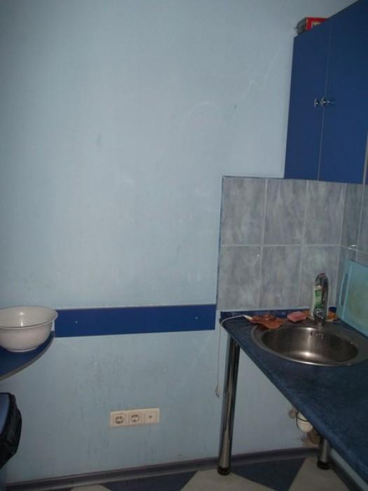 Нежилое помещение под парикмахерскую (салон,мастерскую, магазин,аптеку,офис), с  642880