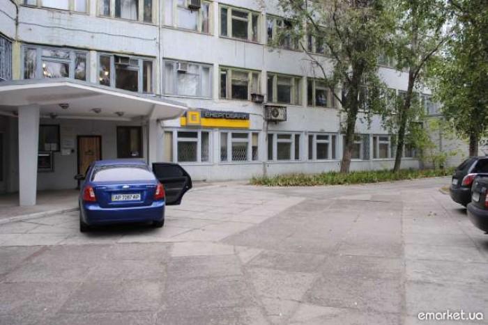 Офисные помещения, 20 комн., 628 кв. м., в хорошем состоянии; отдельный вход, ми 642890