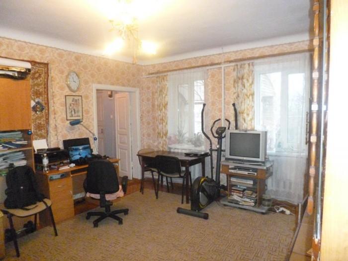 В продажу вышел он: милый небольшой домик (общая площадь - 70 кв.м, кухня - 9 кв 623149