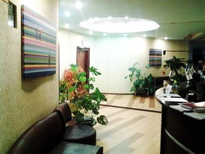 Продам офисное помещение общей площадью 200 м2, 7 кабинетов, выполнен качественн 642928