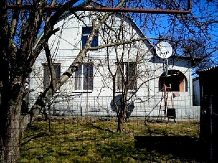 МЕНЯЮ 2 дома на 10 сотках земли в очень хорошем месте по ул. Моторной (Березанов 623160