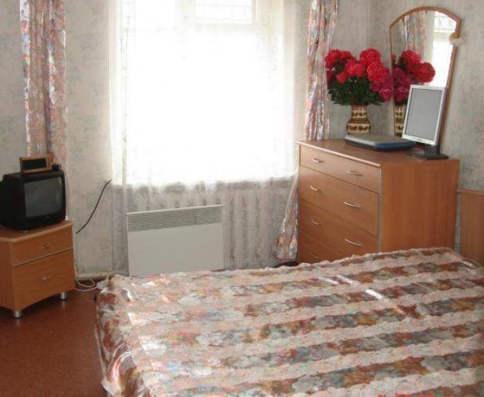 Сдам комнату в 3-комн. квартире с хозяйкой. Для молодой девушки - женщины. На Ак 617525