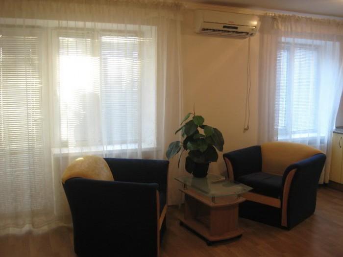Сдам посуточно понедельно 1-ком. евро квартиру в центре города на пр.Карла Маркс 617533