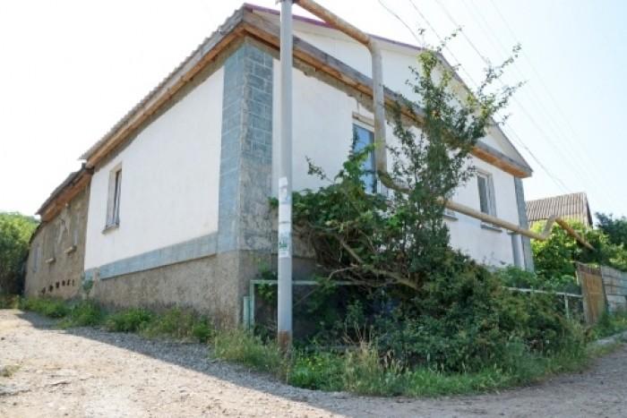 Дом 200 кв.м. в центре поселка Лучистое (Большая Алушта,Крым), 2 этажа, газ, све 623192