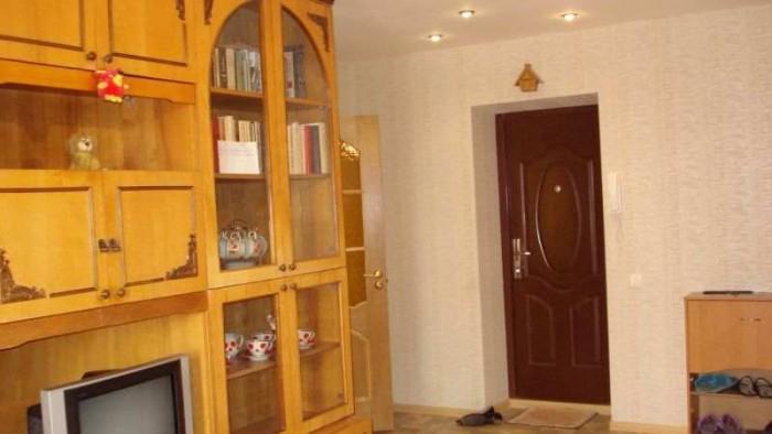 Сдам свою 1-комнатную кв.Сдам свою 1-комнатную большую, светлую квартиру. евроре 617691