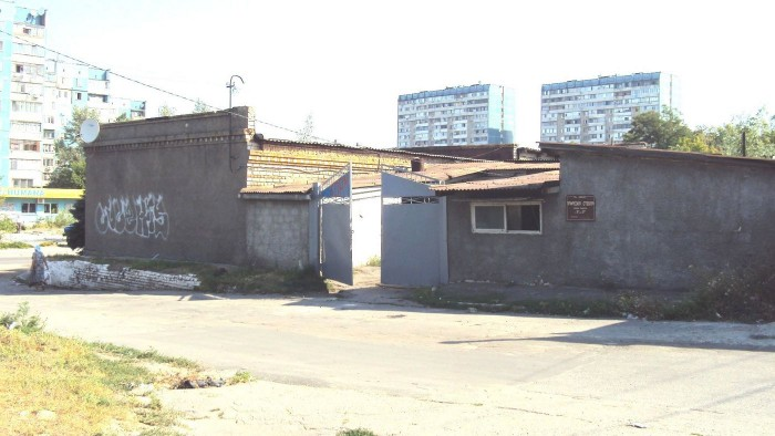 магазин по ул. Братьев Трофимовых, 181, Ленинский р-н, недалеко находится неболь 643039
