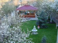 Продается добротный трехэтажный дом (цокольный этаж с окнами). Все коммуникации. 622925