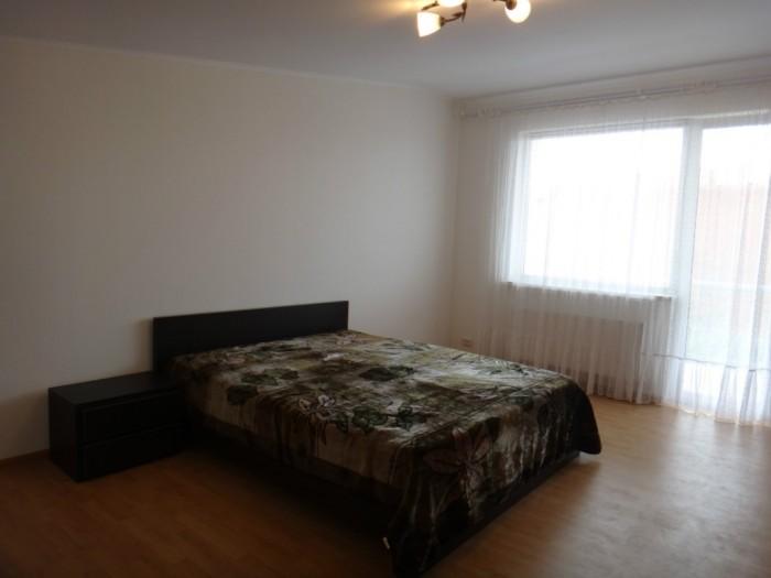 Квартира 3 спальных места .В квартире есть двухспальный диван + раскладное кресл 617769