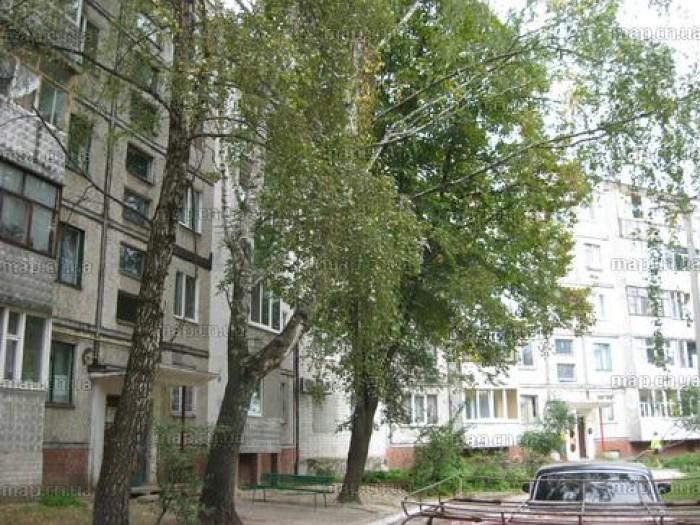 3-комн.квартира,  3/5 пан. S=55/38/6, ул. Доценко. Состояние жилое. Недорого!  Т 617880