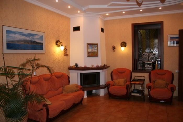 Дом 286 кв м, 2 этажа, 1эт 150 квм + гараж на 2 машины, 2 эт 100 кв м. Ремонт и  623336