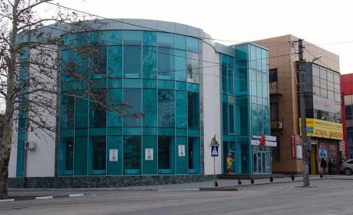 Современный работающий торгово-офисный центр в Николаеве. Общая площадь 656 м2.  643136