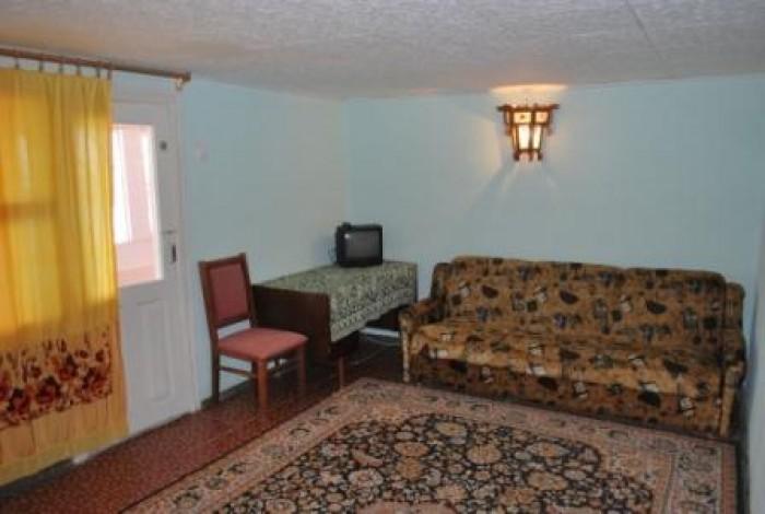 Сдается в аренду двухэтажный дом, Черноморское, Крым. Площадь 118 кв.м. В доме 3 623343