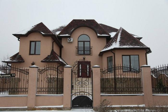 Дом с гаражом на Софиевской Борщаговке. Киев