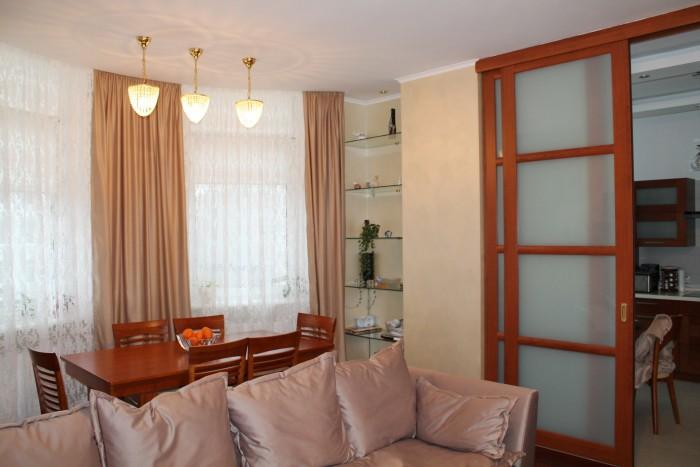 3-ком. квартира  на Французском бульваре (Стикон) с качественным ремонтом, делали для себя. Рядом море.