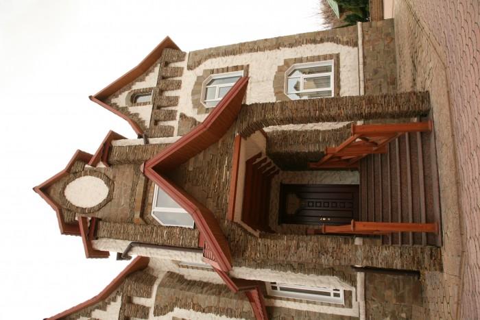 Продаётся элитный дом. Расположен практически в центр. части города в районе Куй 62482