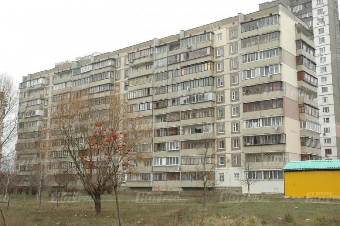 Продам 5-комнатную квартиру в тихом спальном районе Киева! Без комиссии!
