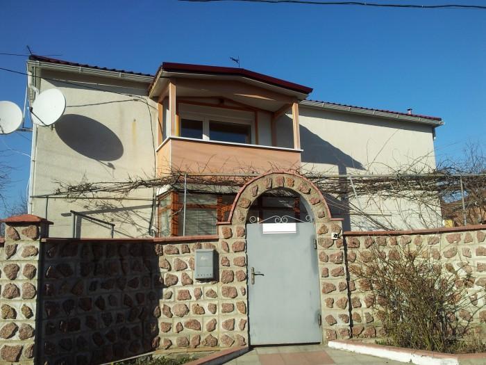 Обменяю (Продам) свой двухэтажный дом со всеми удобствами в престижном и благоустроенном р 622100