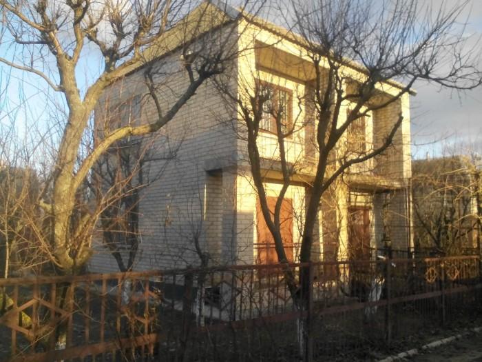 Добротный 2этажный дом 8х8 в Мелитополе