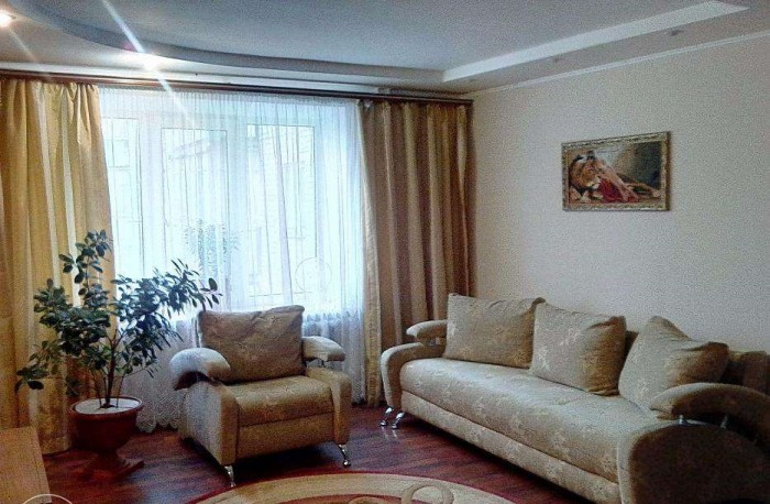 Продается большая 3-к квартира в г. Миргород