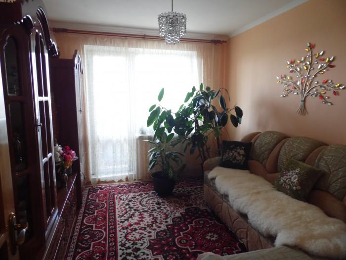Терміново!!! продам 4-х кімнатну квартиру (вул. Івасюка)