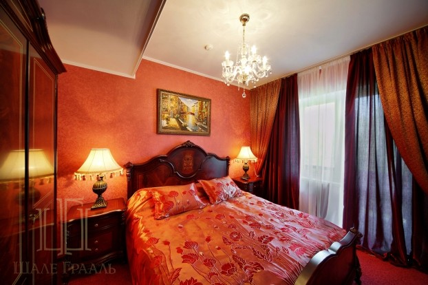 Продам двухкомнатные аппартаменты в Трускавце в в Гостинечно Курортном Комплексе Шале Грааль.